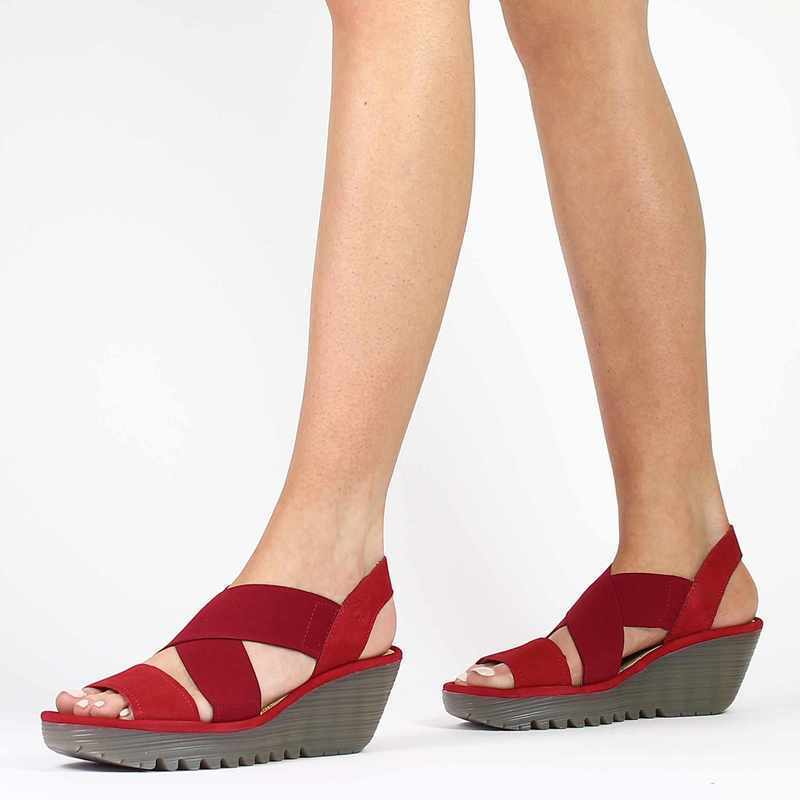 Chaussure Fly London YAJI rouge couleur rouge - vue 0