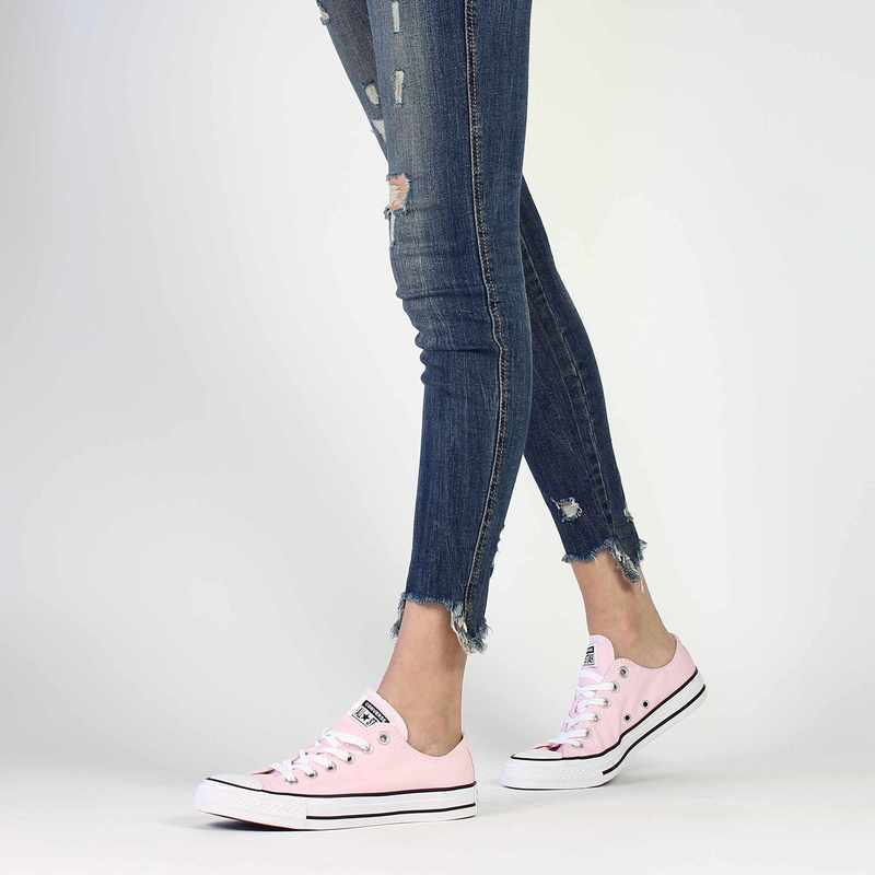Chaussure Converse CHUCK TAYLOR ALL STAR OX SEASONAL rose couleur Rose pastel - vue 0